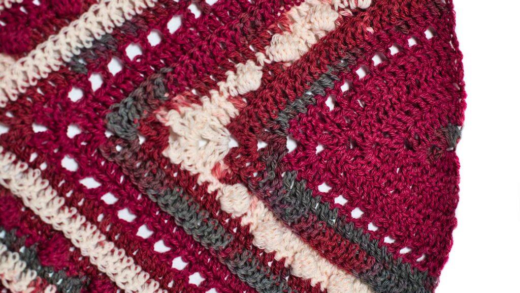 Triangular scarf Cherry Marble, crochet
